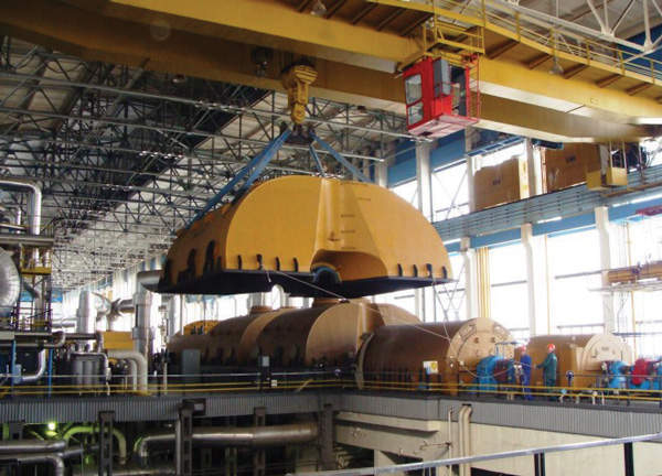 Dismantling of equipment in the turbine hall at Kozloduy