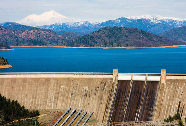Shasta dam on the Sacramento River in California, US. The dam is used for water storage, hydropower and flood control.