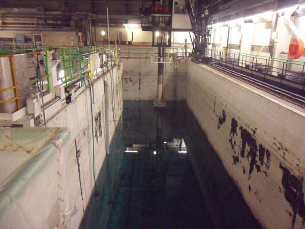 Hinkley Point A reactor two pond during draining, February 2013