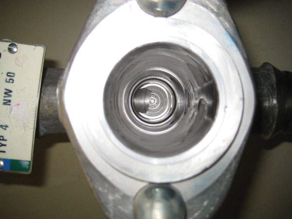DN 50 valve after FSD, revealing clean surfaces (Unterweser)