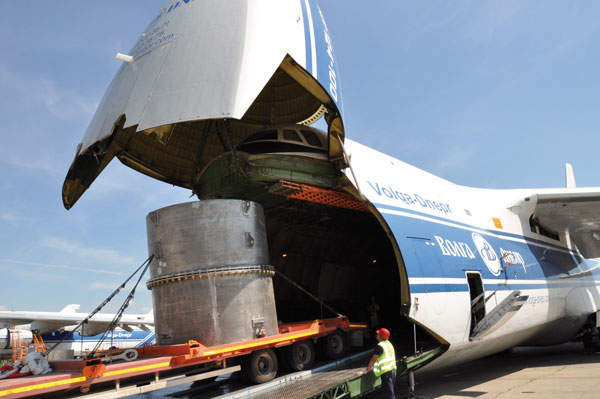 TUK-145/C on the special trailer loading in the An-124-100 aircraft (Option 1)
