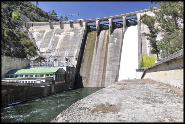 Peares dam