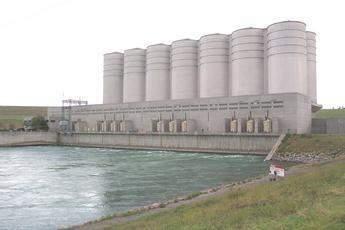 Oahe_Power_Plant