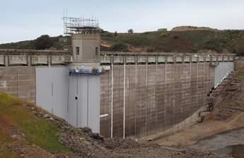 Val de la Mare Dam