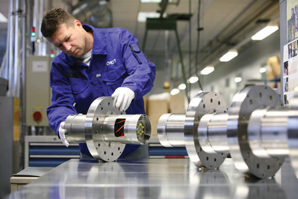 Christian Transenecker testing nuclear fibre-optical penetrations