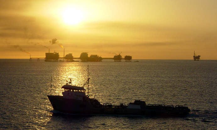 Gulf_of_Mexico_with_ship