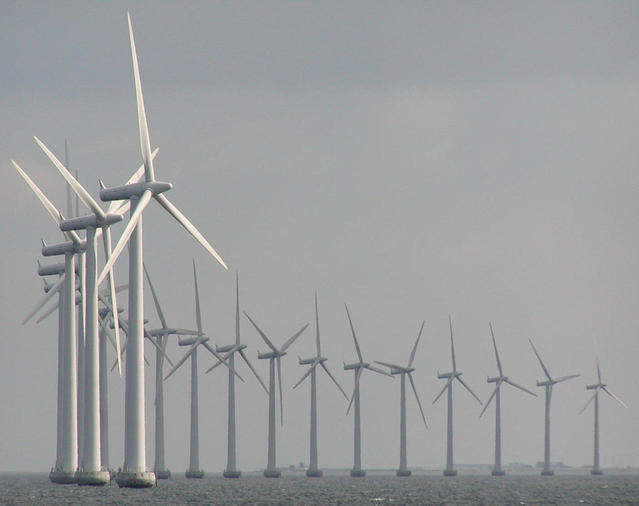windmills-at-sea-1221040-639x505