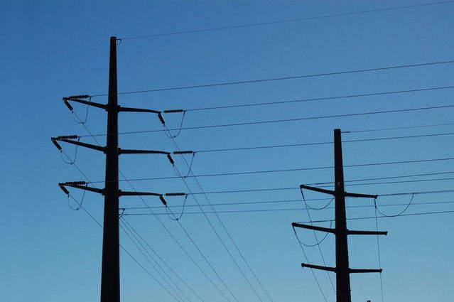 power-lines-1312171-639x424