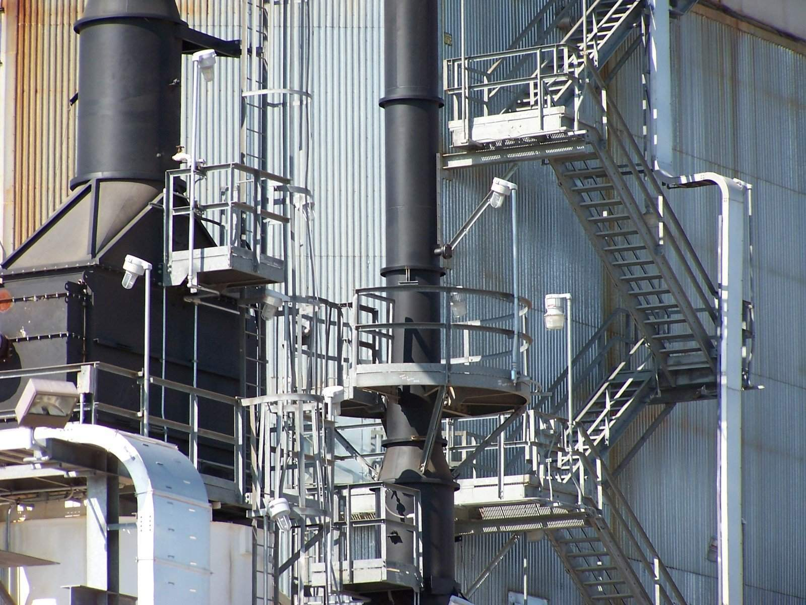 refinery-row-1545672