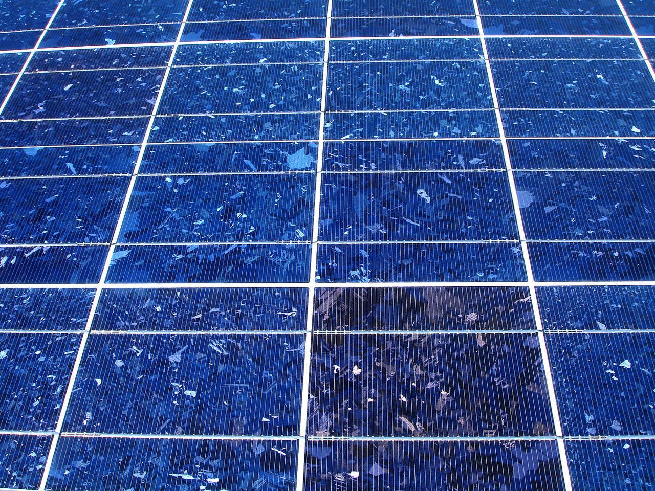 solar-energy-panel-12-1418218-1280x960