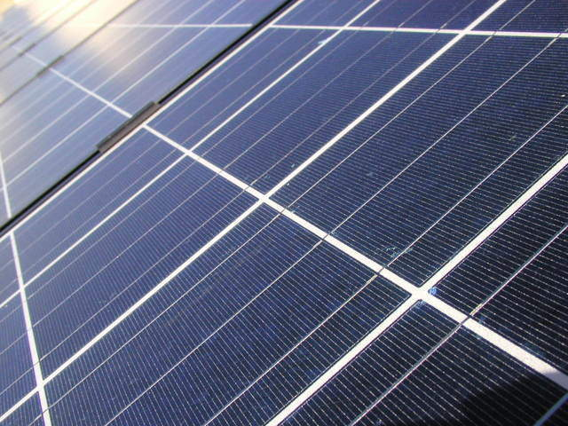 Canadian Solar and Direct Energy Business sign long-term