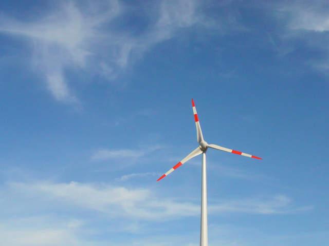 windmill-2-1317052-640x480