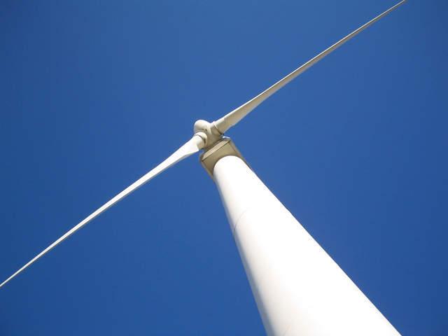 windmills-6-1547358-640x480
