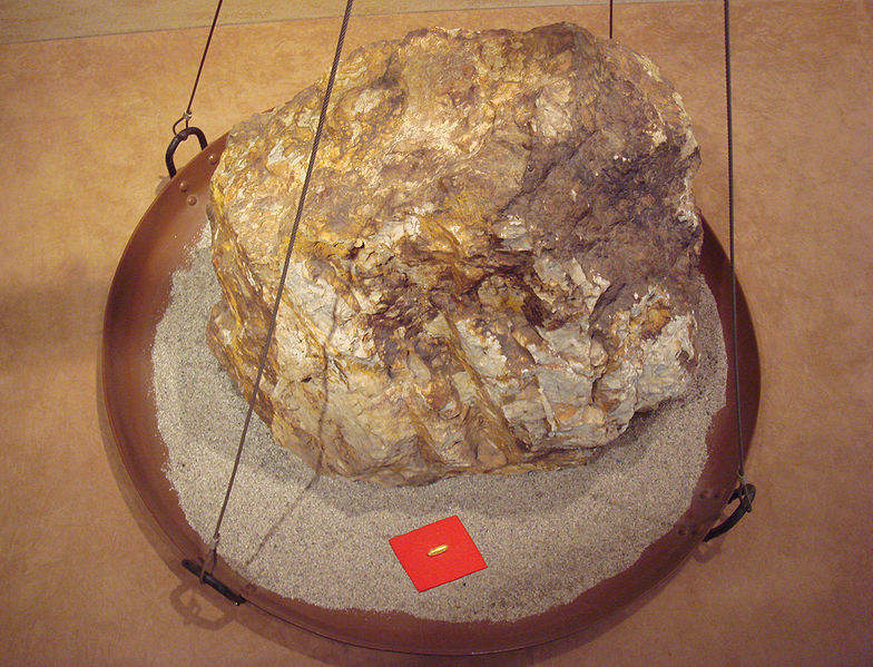 784px-Gold_30g_for_a_860kg_rock