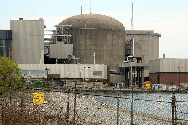 800px-Pickering_Nuclear_Plant