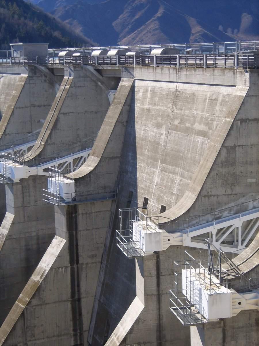 hydro-electric-dam-1206729