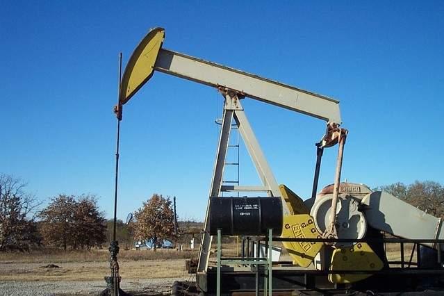 oilfield-pump-jack-4-1468332-639x426