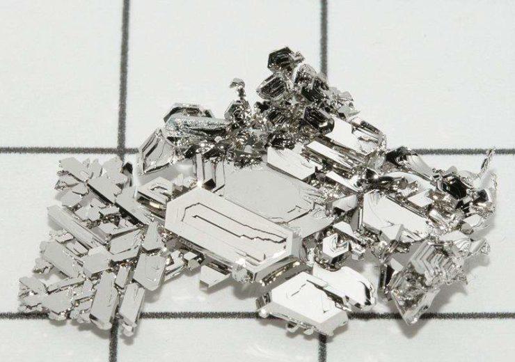 800px-Platinum_crystals