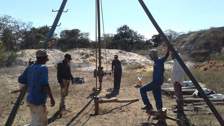 Drilling-Team-and-Site