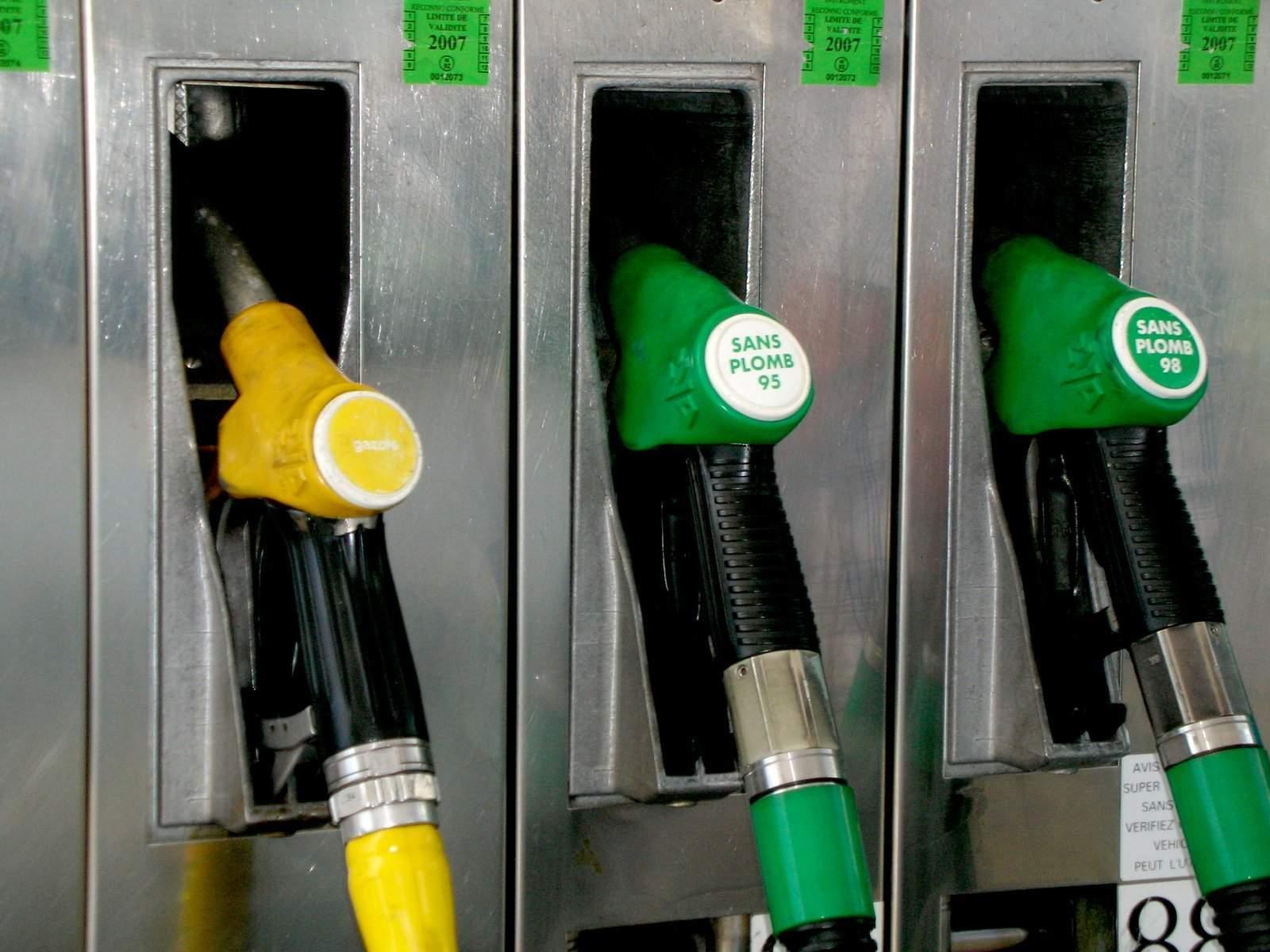 gas-station-1447279