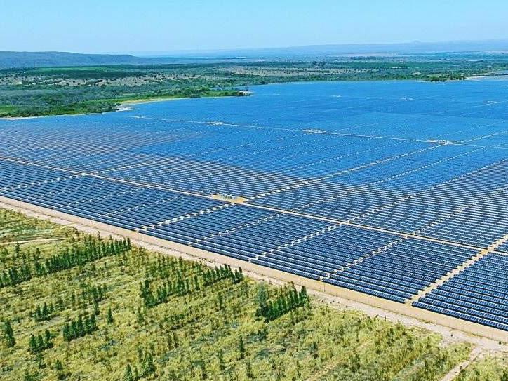 1l - Image --- Pirapora Solar complex