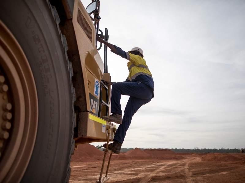 4l -Image --- Amrun Bauxite Mine, Queensland