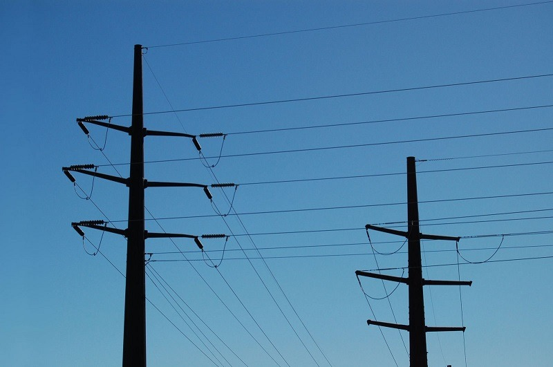 tue-power-lines-1312171