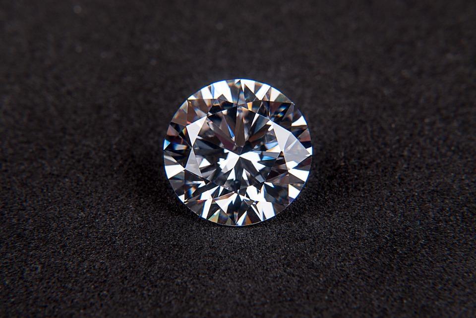 diamond-123338_960_720