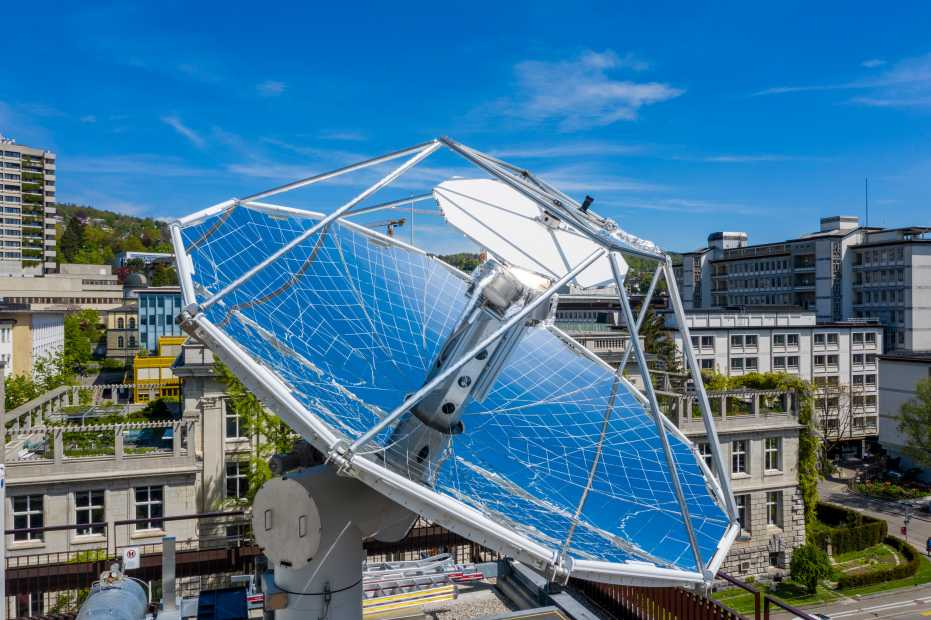 Swiss researchers produce carbon-neutral fuels from sunlight and air