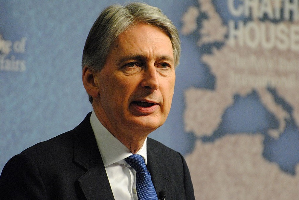 UK zero emissions target to cost more than £1tn, says Philip Hammond