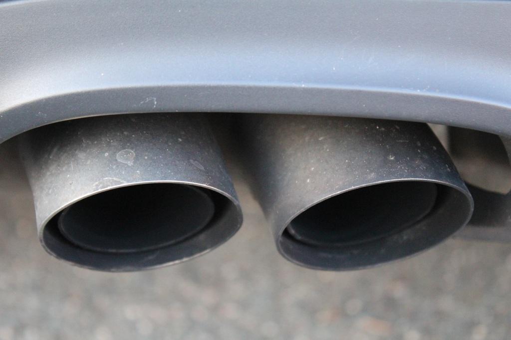 wheel-spoke-auto-tire-bumper-grey-774074-pxhere.com