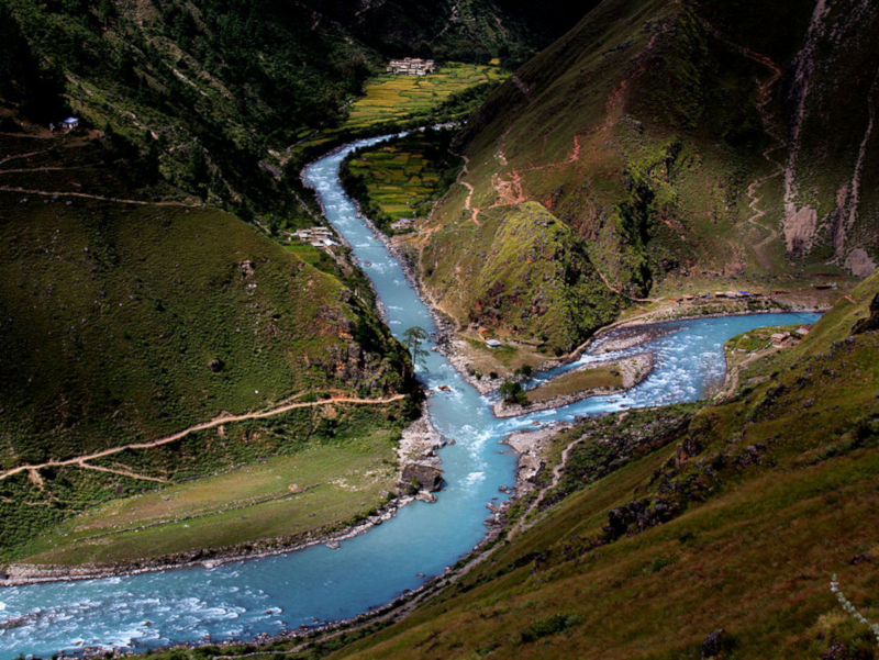 File source: http://commons.wikimedia.org/wiki/File:Karnali_river.JPG