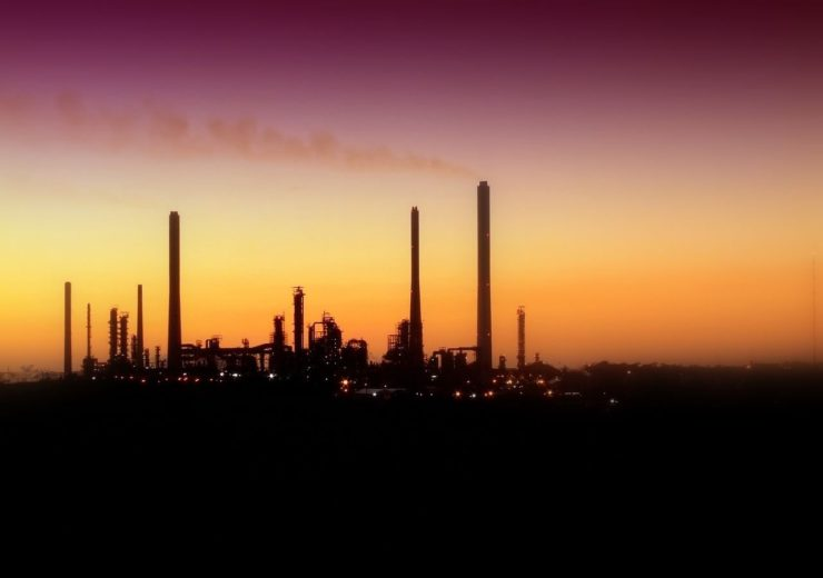 oil-refinery-1173394
