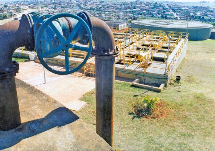 water-tank-1442452-639x412
