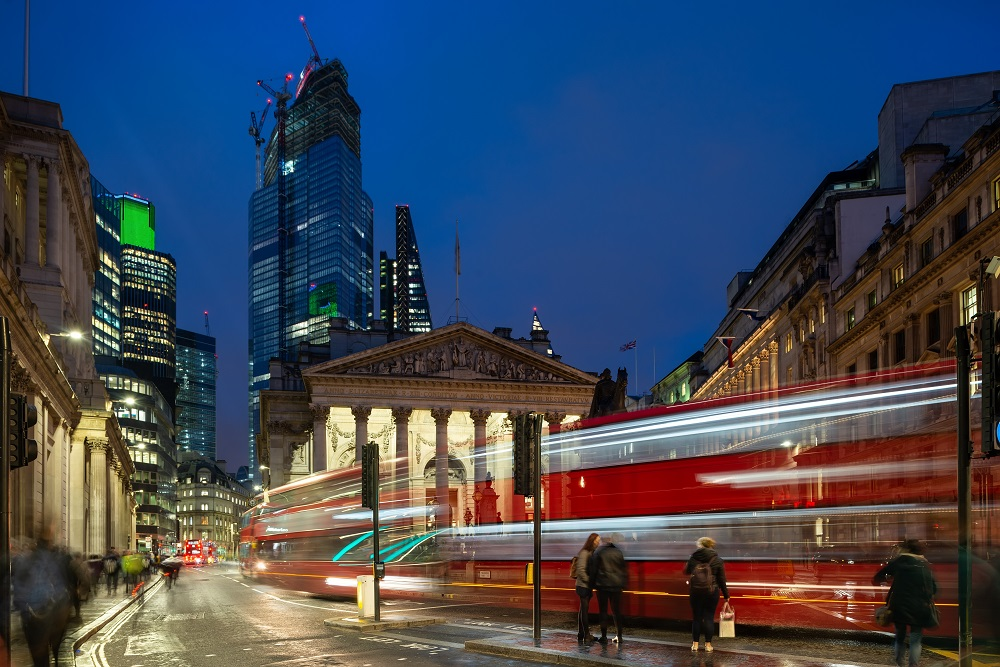 London smart city, smart city street lighting