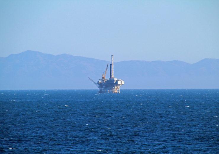 oil-platform-1336513-639x426(1)