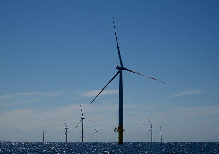 800px-Windmills_Baltic_1