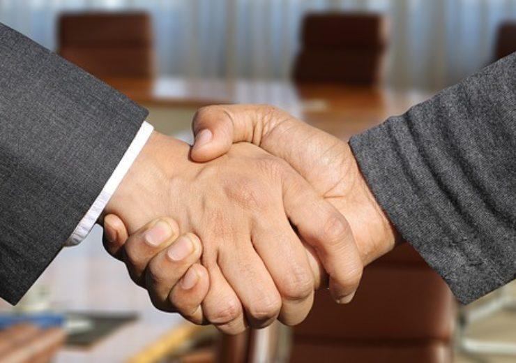 shaking-hands-3091906_640 (2)