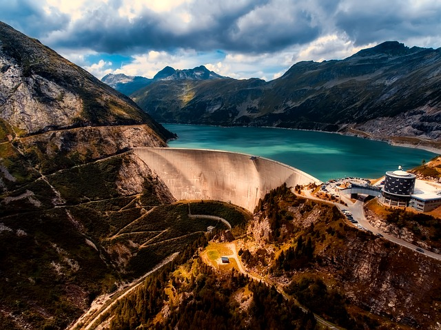 Water-Dam-2686938_640_Image by David Mark from Pixabay