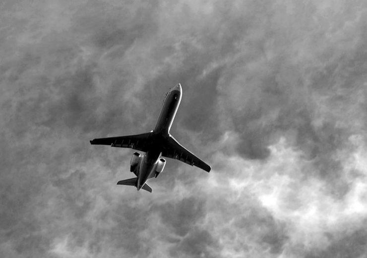 commercial-jetliner-3628141_640