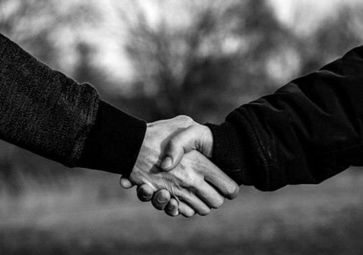 handshake-4040911_640