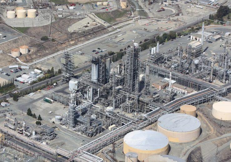 refinery-109025_640