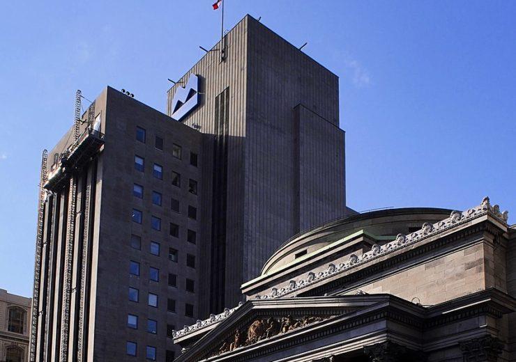 850px-BMO_Place_d'Armes,_Montréal_01
