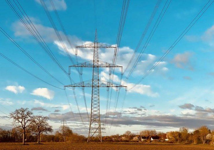 high-voltage-pylons-4927429_640