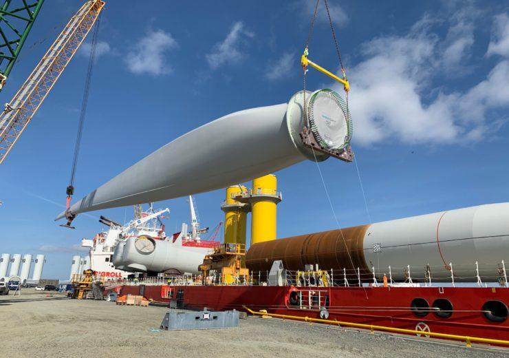 DE-wind-turbine