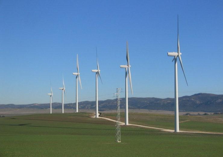 wind-turbines-at-tarifa-1523800-640x480