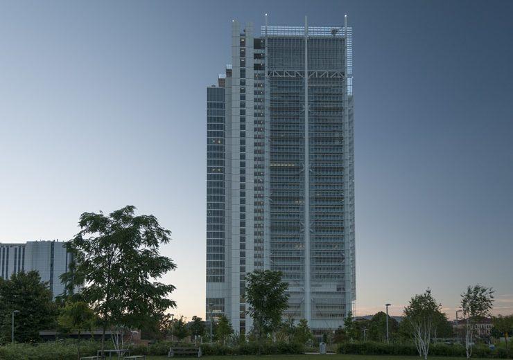 1200px-Grattacielo_Intesa_San_Paolo_-_panoramio_(2)