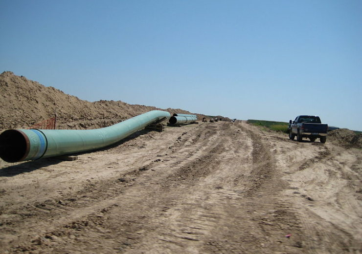 800px-Pipes_for_keystone_pipeline_in_2009
