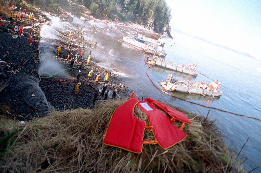 Exxon Valdez oil spill clean-up