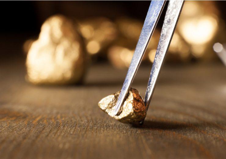 Gold mining_nuggest quality control_by Aerogondo2